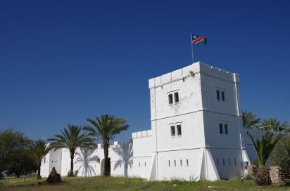 Das alte deutsche Fort Namutoni wurde mehrfach zerstört und wieder aufgebaut. Leider zerfällt es derzeit erneut.