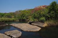 Im Mutinondo-Naturpark gibt es idyllische Badegumpen ...