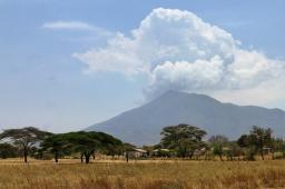 Wir kommen in heißere Gegenden, dieser Vulkan ist jedoch schon lange erloschen.