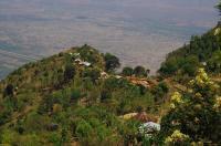 Über eintausend Meter fällt das Usambara-Gebirge an seiner Grenze ab...