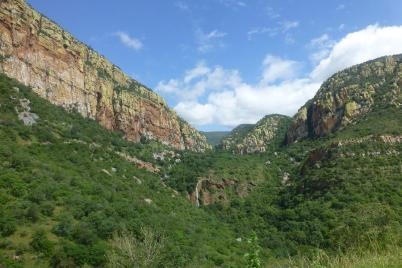 Die Auffahrt zum Abel Erasmus Pass in den Transvaal Drakensbergen ist atemberaubend.