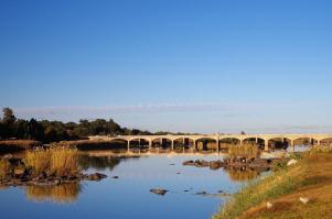 Zwischenstation in Upington mit seiner beeindruckenden Brücke über den Orange River