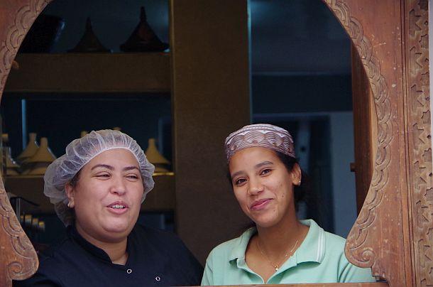zwei freundliche Marokkanerinnen