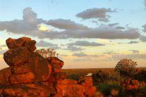 A006 Wie kommt das Wohnmobil auf den Fels? Namibia