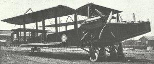 Handley Page O/400 mit eingeklappten Flügeln