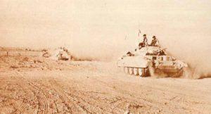 Crusader Mk I (mit 2-Pfünder-Kanone) Panzer in Nordafrika.