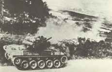 US-Panzerjäger M18 Hellcat im Gefecht nahe Firenzuola