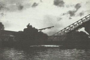 Britische 11. Panzerdivision überquert Seine