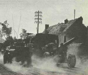 Kanadische Artillerie bei Falaise