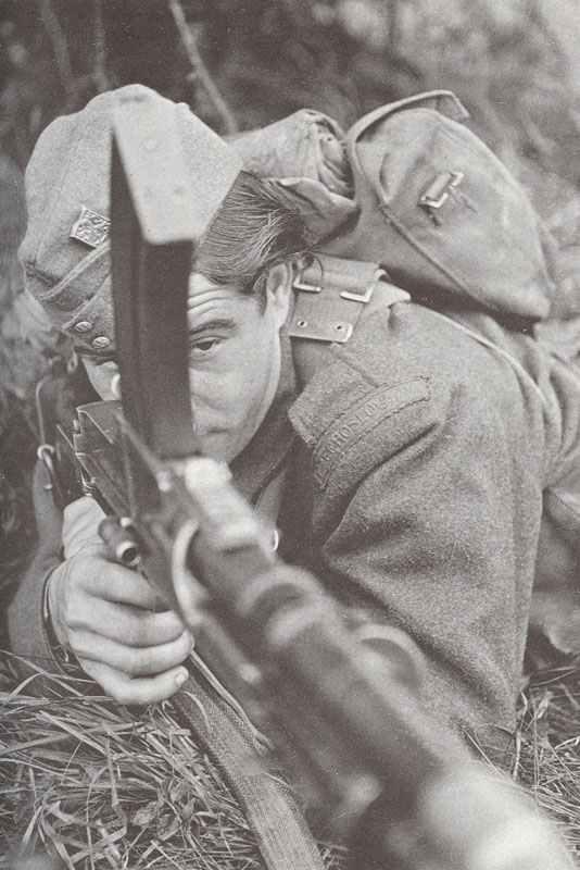 tschechischer Soldat in der Ausbildung in England