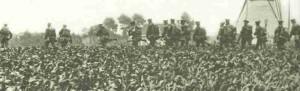 Britische Infanterie marschiert 1914