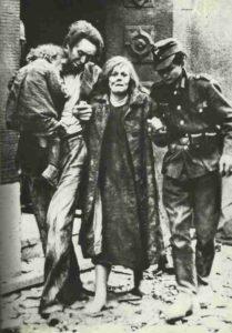 Familie nach Luftangriff auf Mannheim