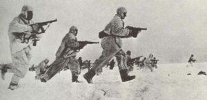 Sturmangriff russischer Infanterie im Winter 1941/42