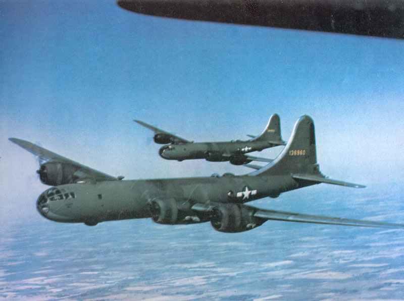 Frühe Serienmodelle B-29 Superfortress