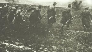 Angriff serbischer Infanterie