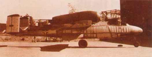 He 162 vor Heinkel-Fabrik
