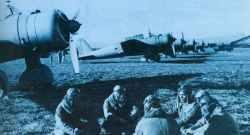 Piloten und Beobachter von einer Ki-30 Chutai