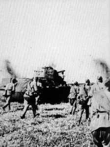 T-34 und Rotarmisten