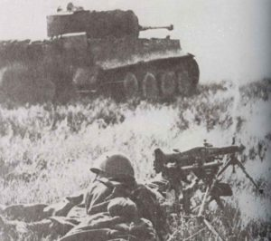 Italienische Soldaten mit einem MG42