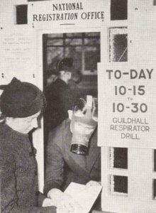 Gasmasken-Übung in England