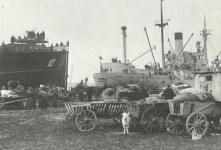 Beladung von Evakuierungsschiffen in Ost-Deutschland