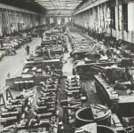 Montagehalle einer deutschen Panzerfabrik.