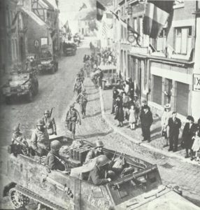 Einzug US-Truppen in belgische Ortschaft