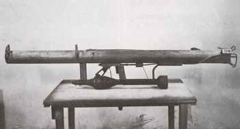 Panzerschreck mit 88 mm Rakete