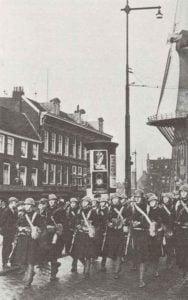 Marinesoldaten der Garnison von Rotterdam