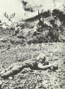 US-Marines erstürmen eine japanische Stellung