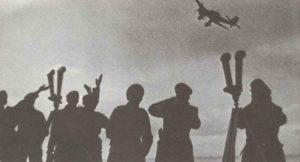 Luftwaffen-Stab winkt Stuka zu