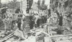 'Trümmerfrauen' beim Aufräumen