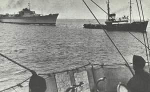 Kreuzer Lützow im Schlepp nach Leningrad