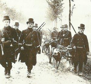 Maschinengewehre von Hunden gezogen