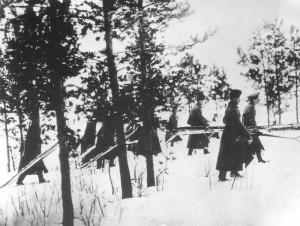 Vorrückende russische Infanterie