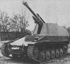 SdKfz 124 Wespe mit aufgerichteter Kanone