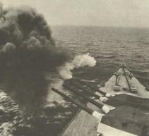 Tirpitz feuert Vollsalve