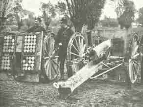 Briten bei französischer 75-mm-Kanone