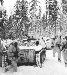 Kolonne von leichten T-70 Panzern