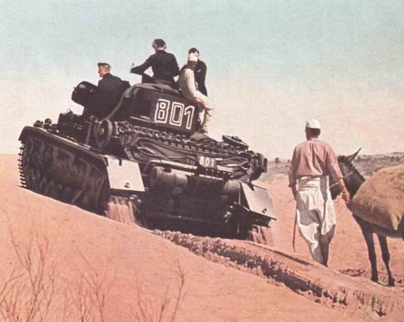 PzKpfw IV erklimmt Sanddüne