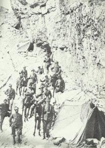 Italienische Alpini-Soldaten in ihrem Lager