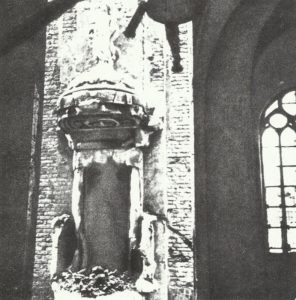 ausgebrannte Nikolaikirche in Riga