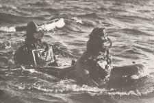 torpedoartige Unterseeboote mit zwei Mann Maiale (Schweine)