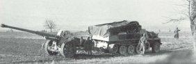 Transport der 88-mm Pak 43 mit SdKfz 10
