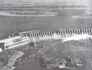 gesprengte Staudamm von Saproschje