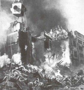 Feuer in der Hauptstraße von Kiew