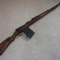 Kar 98k mit 20-Schuss-Grabenmagazin