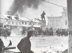 Deutsche Truppen besetzen Stadt in Ost-Ukraine