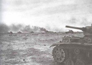 abgeschossene deutsche Panzer während des Unternehmen Crusader