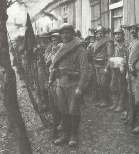 Russische Soldaten vor Monastir
